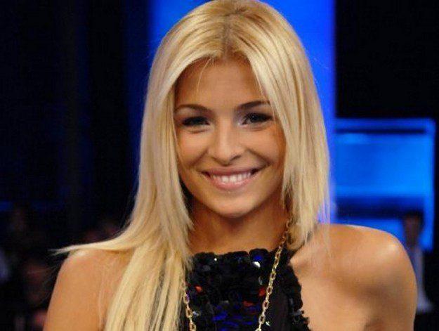 Arriva Cristina! L'ex Miss Italia è la madrina di un opening party a Sassari