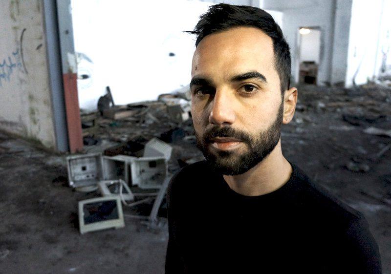 CLAUDIO SIMBULA, PROFESSIONE ROBOT