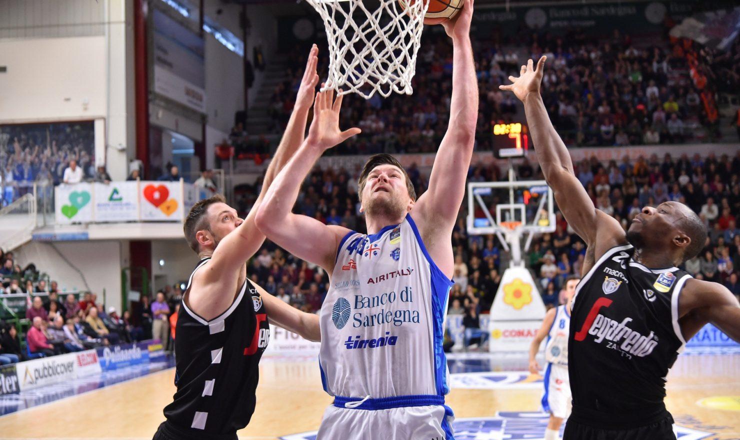 I giganti centrano la settima vittoria tra campionato e coppa.
