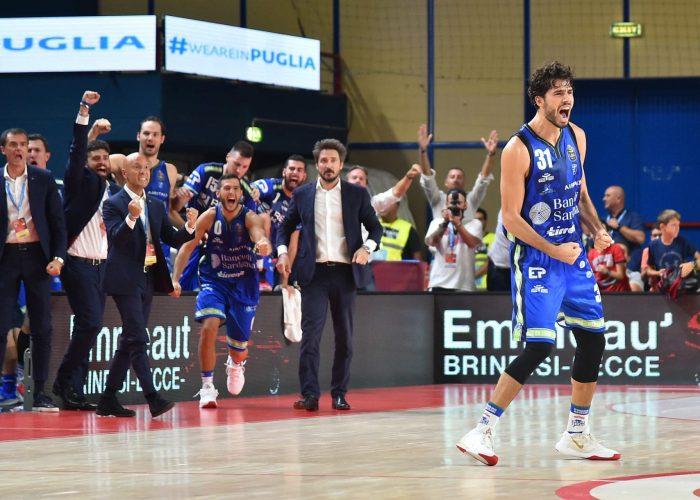 Gli ultimi attimi della Finale di Supercoppa italiana Dinamo-Venezia