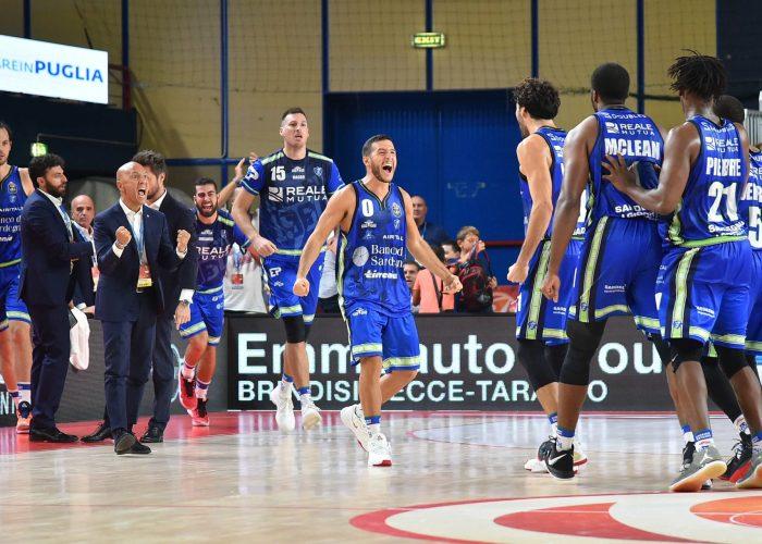 Gli ultimi attimi della Finale di Supercoppa italiana Dinamo-Venezia:l'esplosione di gioia