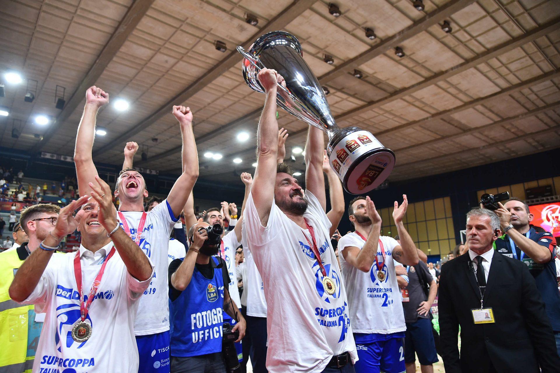 Scatti d'emozione: la Dinamo vince la seconda Supercoppa italiana della sua storia