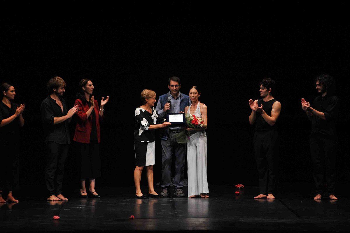 Sassari, consegnato premio alla carriera a Luciana Savignano