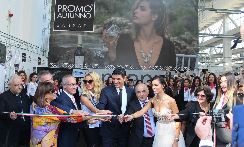Sassari: inaugurata stamattina la IV fiera Promo Autunno con Valeria Marini al taglio del nastro
