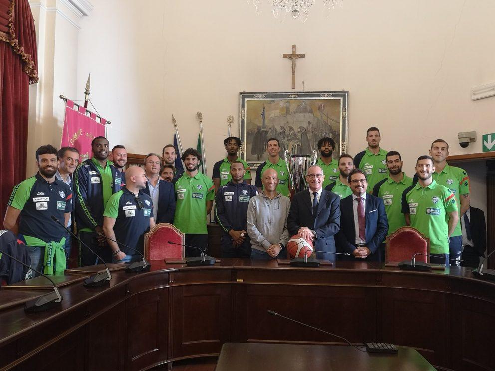 La Dinamo Basket incontra il sindaco di Sassari Nanni Campus