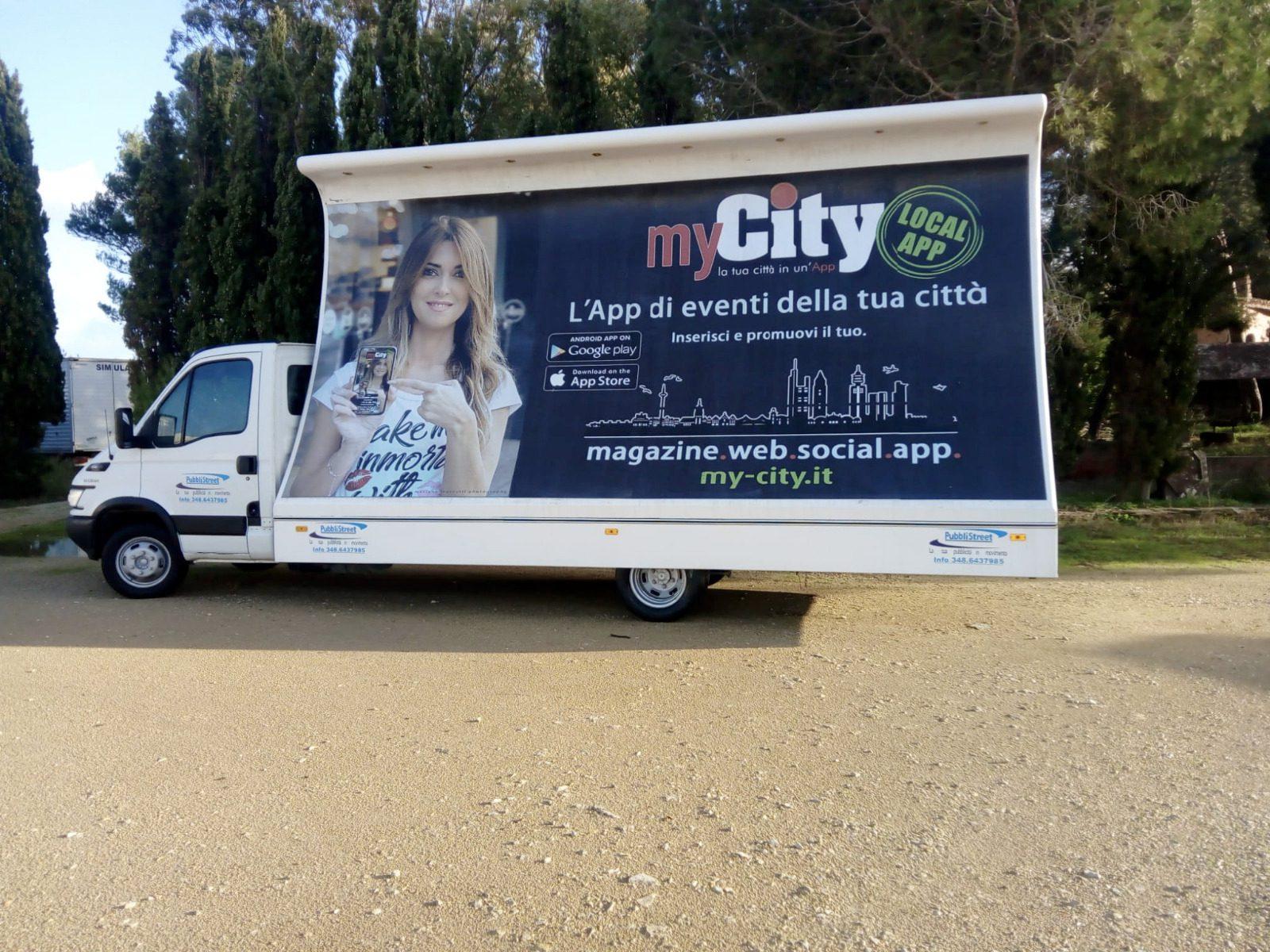 Camion vela con pubblicità myCity Local App