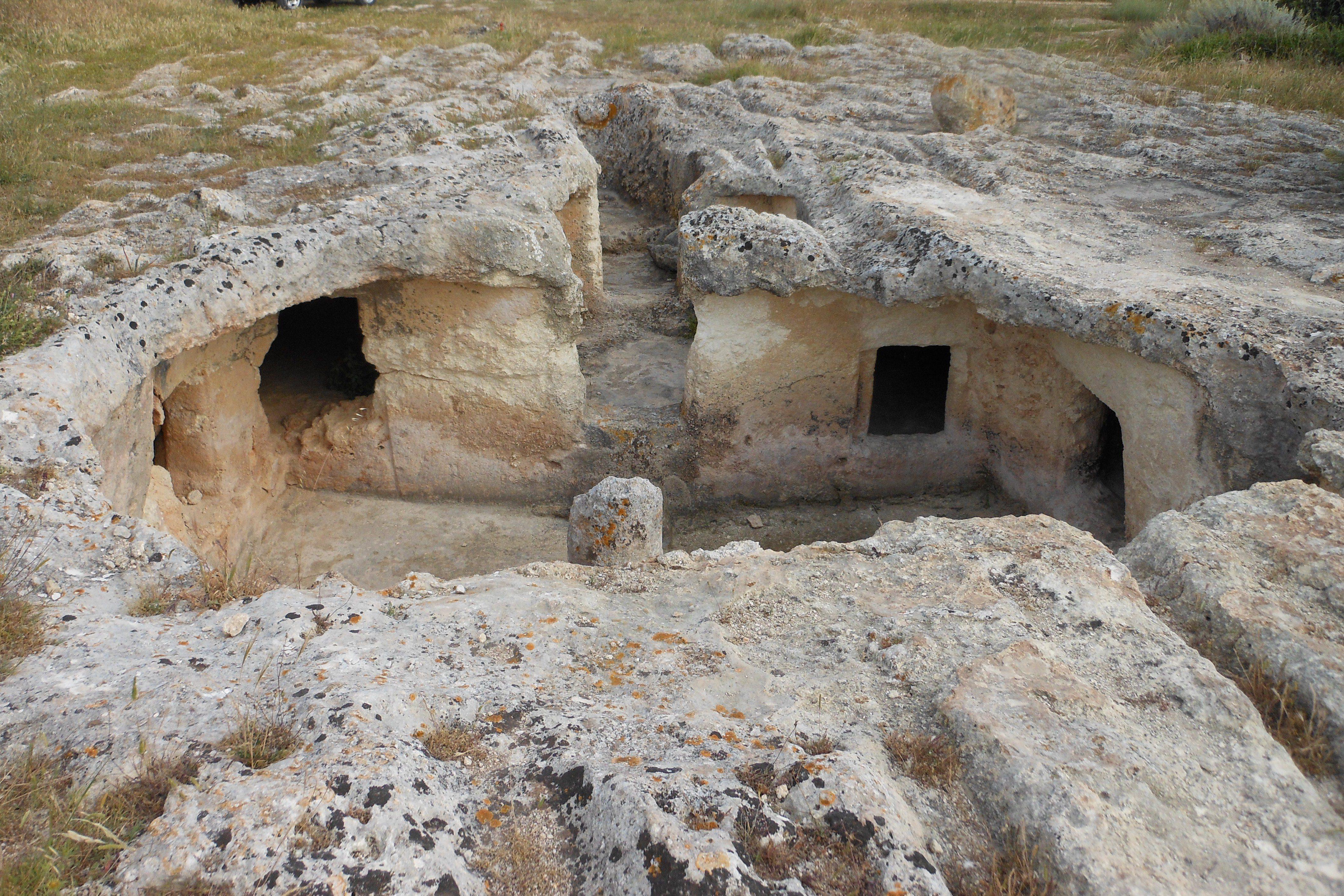 La necropoli di Su Crucifissu Mannu