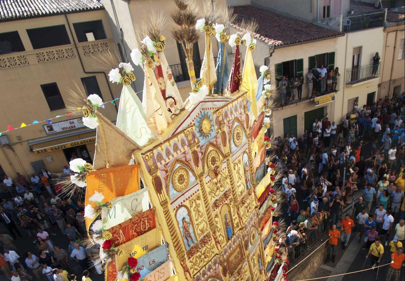 Sa essìda de sos Candhaleris: il rispetto della Tradizione