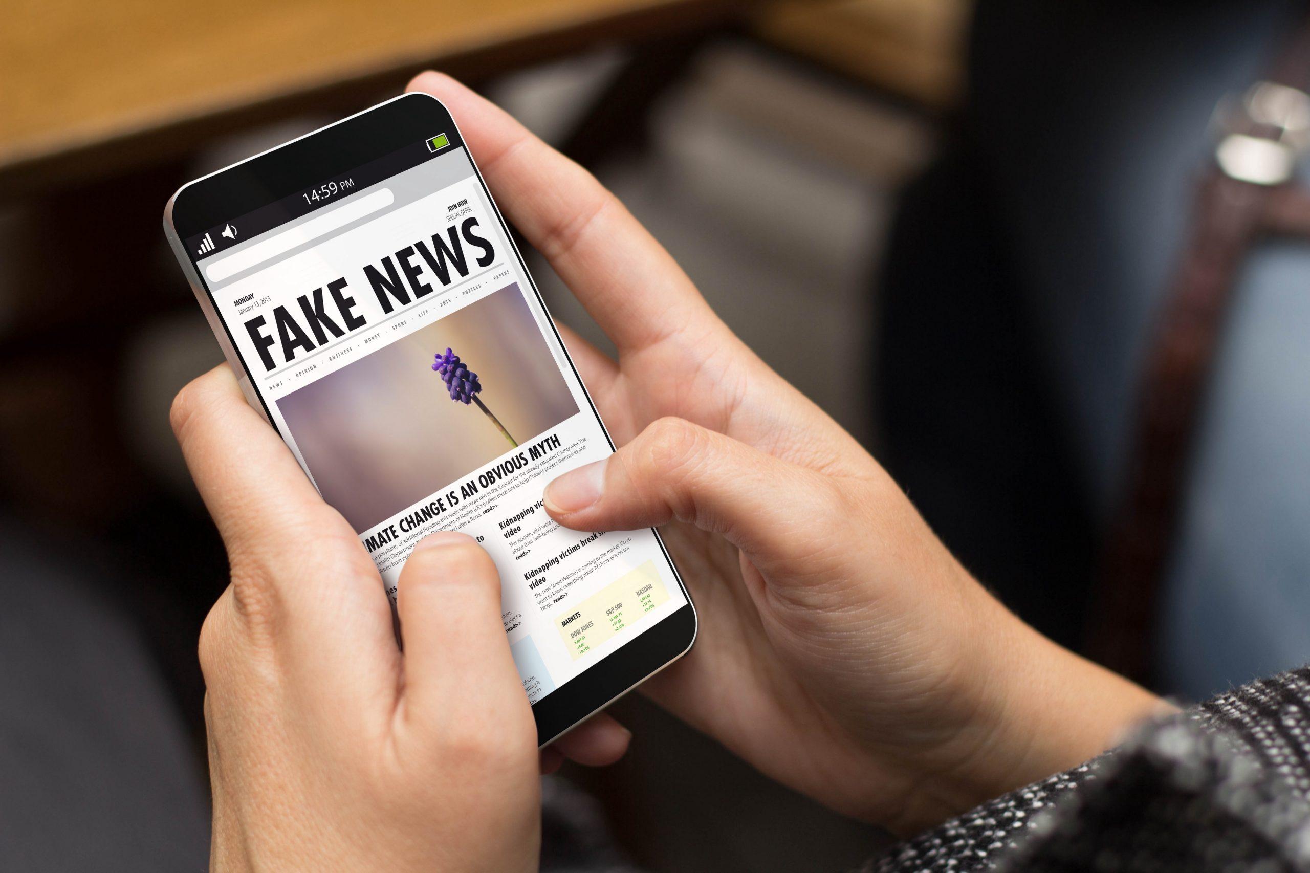 Creare video fake news sul Covid-19? Può costarvi caro: 5mila euro di multa per diffamazione