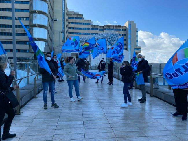 Oggi la protesta dei lavoratori dei bar del Brotzu e dell'Oncologico