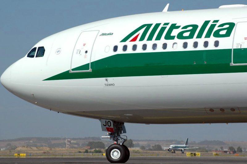 Continuità aerea, il Presidente Solinas: «Firmata proroga Alitalia per garantire mobilità ai sardi e prospettiva per stagione turistica»