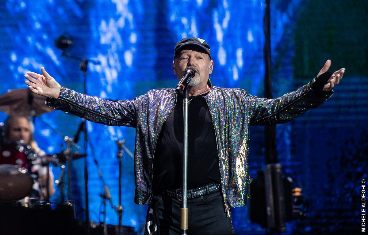 Vasco Rossi, concerti spostati al 2022: ecco le nuove date