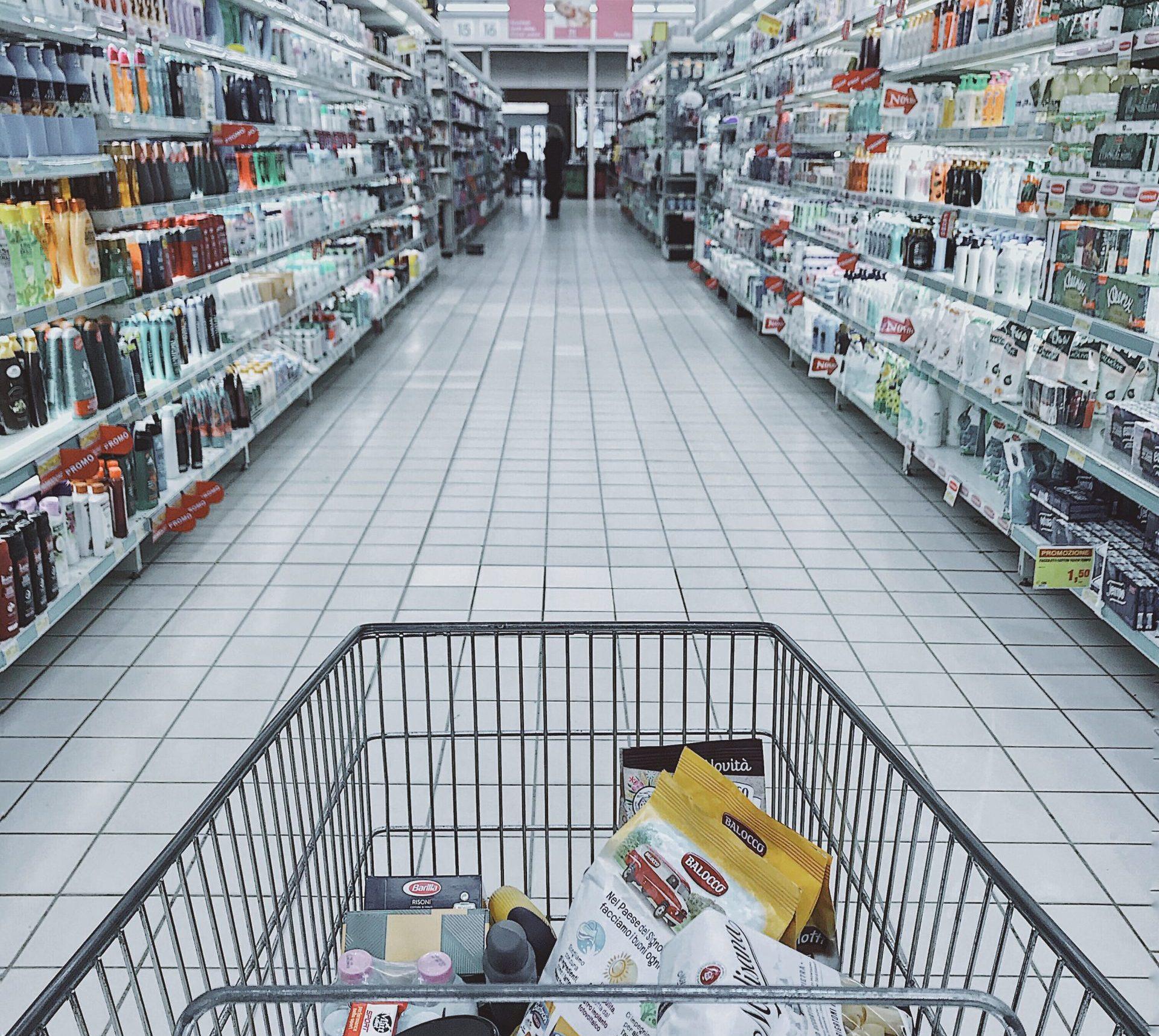 Covid | Tra pranzi e positivi al supermercato la Regione scopre 157 focolai