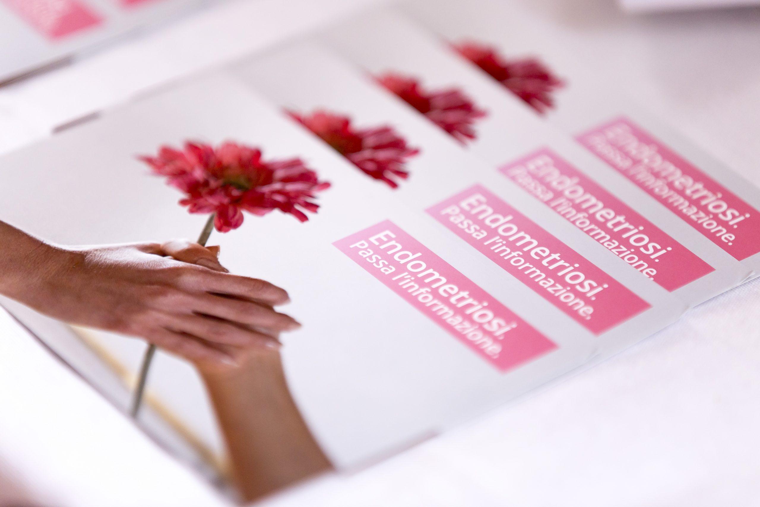 Endometriosi, un volantino che può cambiare la vita di chi ne soffre
