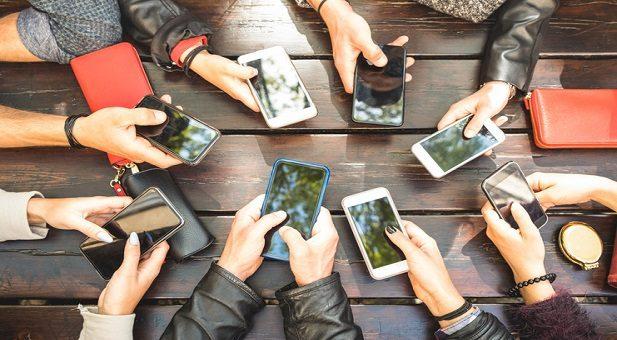 Adolescenti e social, nell'anno della pandemia boom di utilizzo